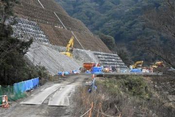 犀角山トンネルは撤去され姿を消していた=1日、南阿蘇村