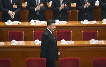 中国人民政治協商会議の開幕式に出席する習近平国家主席=3日、北京の人民大会堂(共同)