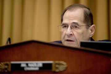米下院司法委員会で質問するナドラー委員長=2月8日(AP=共同)