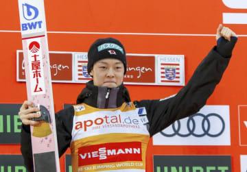 W杯ジャンプ男子個人第22戦で優勝した小林陵侑=2月、ビリンゲン(共同)