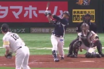本塁打を放った西武・栗山巧【画像:(C)PLM】