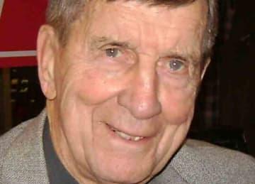 Hockey Hall of Famer Ted Lindsay dies at 93