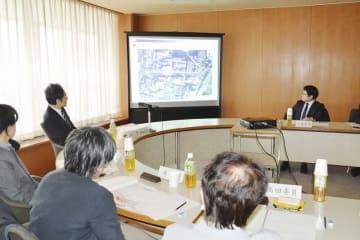「三角地帯」の再開発に関する議案を了承した福井市都市計画審議会=3月6日、福井県福井市役所