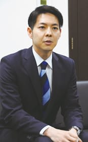 「ピンチをチャンスに替えたい」と道政運営への意気込みを語る鈴木氏