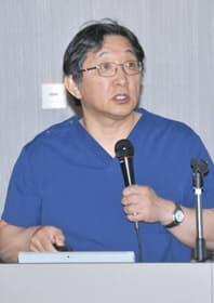 心臓や大動脈の病気の診断と治療について解説する赤坂副院長