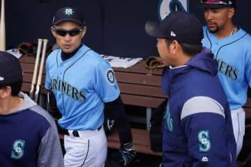 マリナーズ・イチロー(左)、菊池雄星【写真:Getty Images】