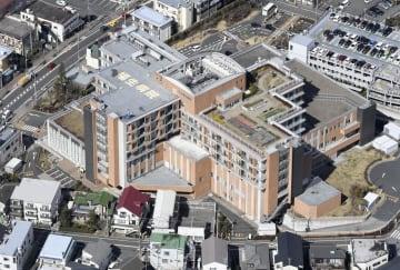 公立福生病院=8日午前、東京都福生市(共同通信社ヘリから)