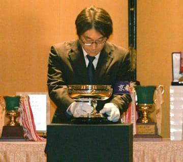 開会式で披露された天皇杯