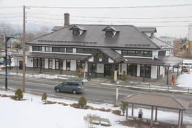 現在は室蘭観光協会の事務所や観光案内所として利用される旧室蘭駅舎