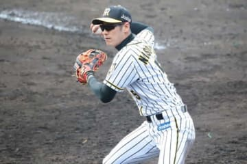 BC栃木への入団が決まった西岡剛【写真:荒川祐史】