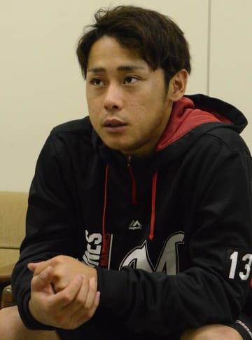 東日本大震災の発生時は地元の宮城県多賀城市にいた千葉ロッテの平沢選手。「もう8年がたったのか、と思う」と話した=3月、千葉市美浜区のZOZOマリンスタジアム