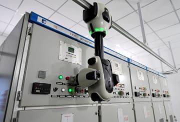新型電力スマート巡回検査ロボット使用開始 河北省石家荘市