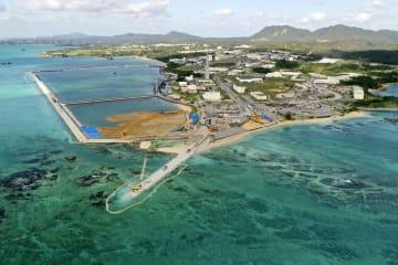 埋め立て工事が進む沖縄県名護市辺野古沿岸部=2月23日(小型無人機から)