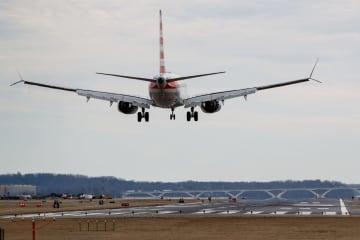 ボーイング737MAX機の運航を一時停止 米連邦航空局