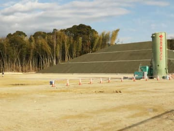 スケート場の予定地。土地造成は完了したが、資材不足の影響で開業は秋以降の見込みという(宇治市宇治)