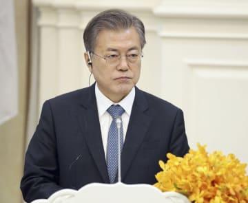 15日、カンボジアを訪問した韓国の文在寅大統領(聯合=共同)