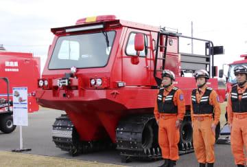徳島県土砂・風水害機動支援部隊に配備された「全地形対応車」=16日午後、徳島県北島町