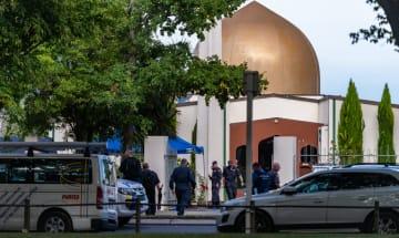 銃乱射事件から一夜明け捜査本格化 NZ