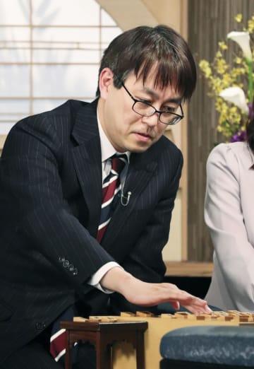 将棋の第68回NHK杯戦で優勝し、一般棋戦で優勝45回の新記録を樹立した羽生善治九段=東京都渋谷区のNHK