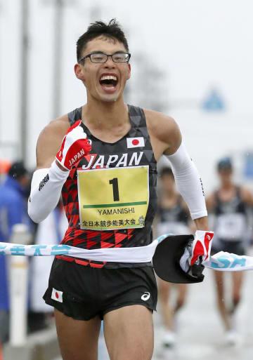 男子20キロで1時間17分15秒をマークし、初優勝した山西利和=石川県能美市