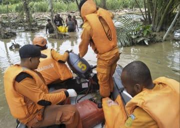 インドネシア東部で洪水、63人が死亡