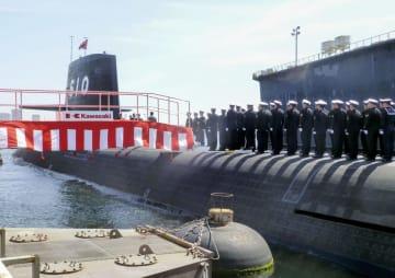 神戸市の川崎重工業神戸工場で開かれた、海上自衛隊の最新鋭潜水艦「しょうりゅう」の引き渡し式=18日午前