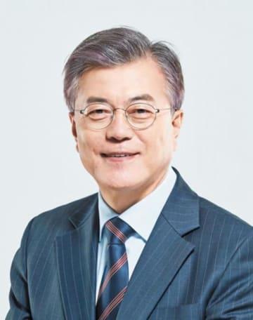 """「誰が親日派か分からない」韓国議員が文大統領の""""意外""""な過去を批判"""