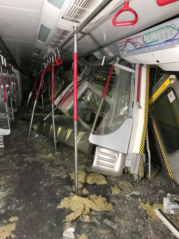 香港地下鉄、試験運転中に車両衝突事故 運転手1人けが