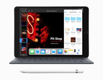 18日、米アップルが発売した新型「iPad Air」