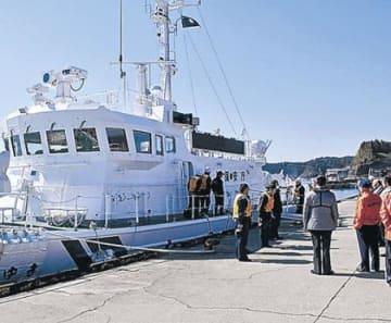 新巡視艇、穴水に 七尾海保が体験航海