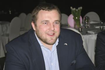 3日、エストニア・タリンで、中道党の集会に参加した元大関把瑠都のカイド・ホーベルソン氏(共同)