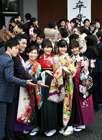 4241人が巣立つ 福岡大で卒業式