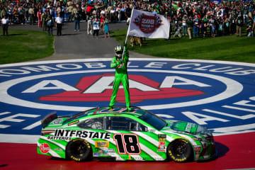 モンスターエナジー・NASCARカップ・シリーズ第5戦「Auto Club 400」でカイル・ブッシュ選手が通算200勝を達成