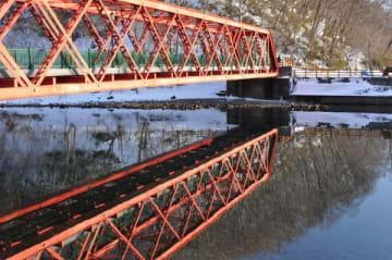 新年度から補修工事が始まる山線鉄橋