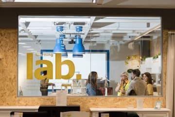 英国グリニッジ店内に設けられた、ワークショップを行うエリア、ラーニング・ラボ © IKEA