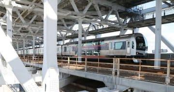 JR瀬戸大橋線を走る快速マリンライナー
