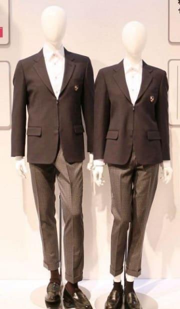 LGBTに配慮した学生服。ファスナー式で男女共通のデザインにした