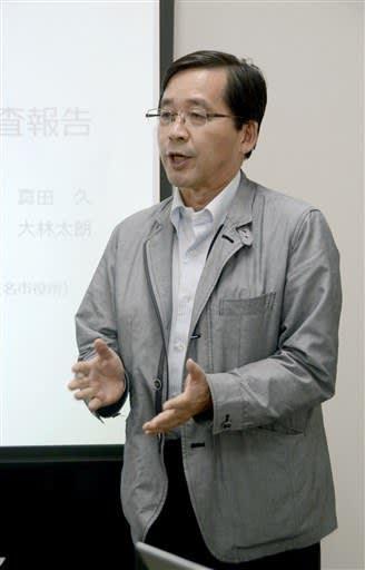 金栗四三の写真を調査した筑波大教授の真田久さん=玉名市