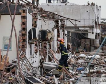 江蘇省の化学工場爆発事故、死者64人に