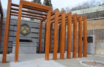遺骨を永代で預けられる合祀墓。156体が眠っている=笠間市福原の出雲大社