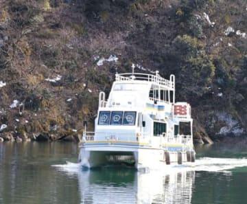 庄川遊覧船、海外客1.5倍 今年度1万6千人超見通し
