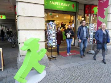 アンペルマングッズを販売する店舗=ベルリン(共同)