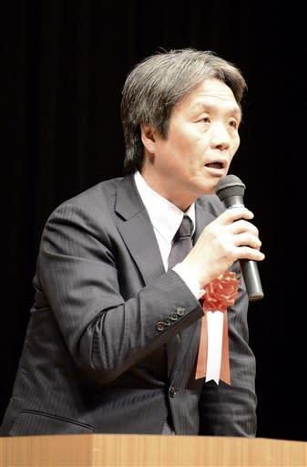 北朝鮮による拉致問題や米朝交渉の行方について講演する蓮池薫さん=24日、熊本市南区