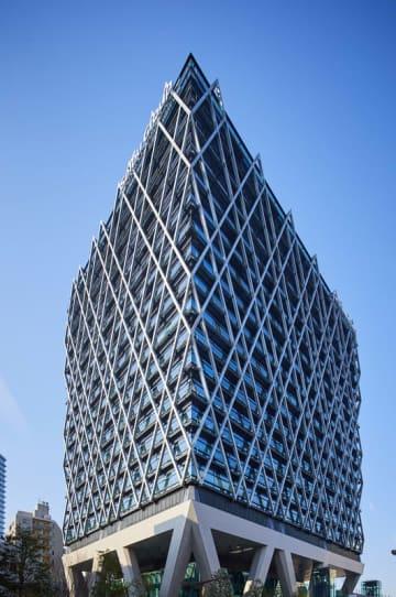 日本初の線路を跨ぐ超高層ビル「ダイヤゲート池袋」の竣工式典を実施