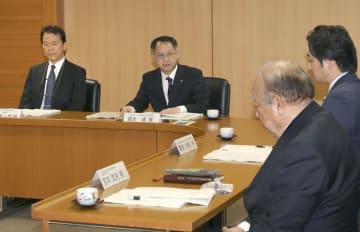 開催された熊本県教育委員会の第三者委=26日午前、熊本県庁