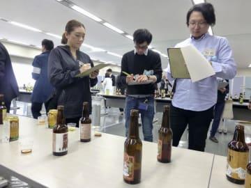 関東信越国税局で開かれた、クラフトビールの造り手を集めた勉強会=26日午後、さいたま市