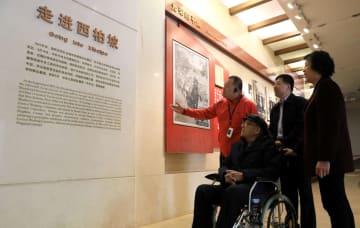 「赤色観光」でにぎわう西柏坡 河北省