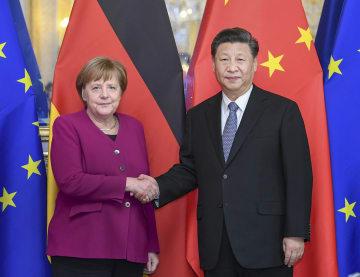 習近平主席、メルケル独首相と会見 両国関係発展に三つの提案
