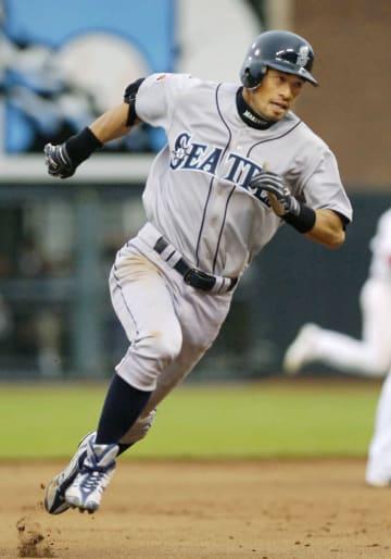 2007年7月、オールスター戦でランニング本塁打を放ったマリナーズのイチロー=サンフランシスコ(共同)