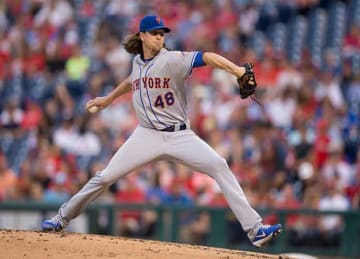 Jacob deGrom gets hit in arm in Mets' rout of Phillies